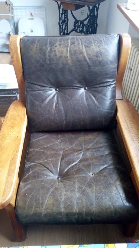 kožena sedačka,