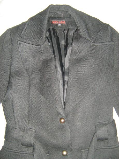 Elegantný čierny kabátik Esoline, 36