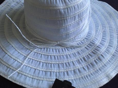 Nenosený dámsky klobúk, 58