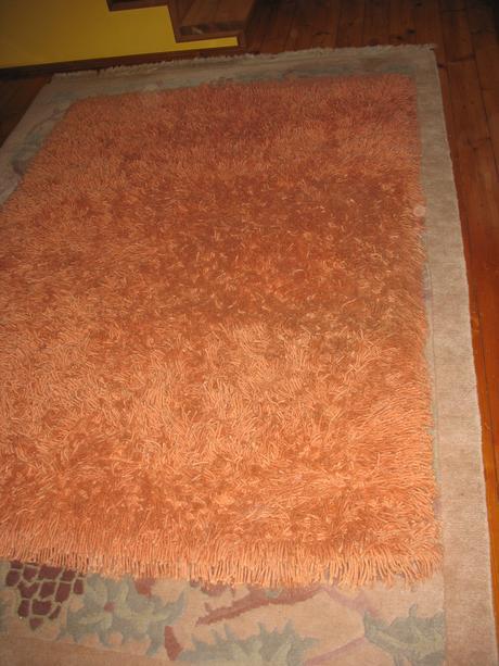 koberec shaggy ručne viazaný,