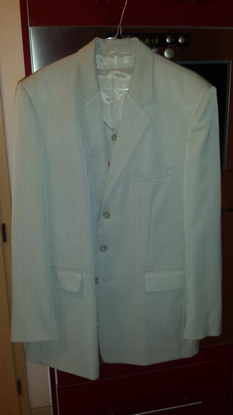 Pansky oblek svetlej farby, 52