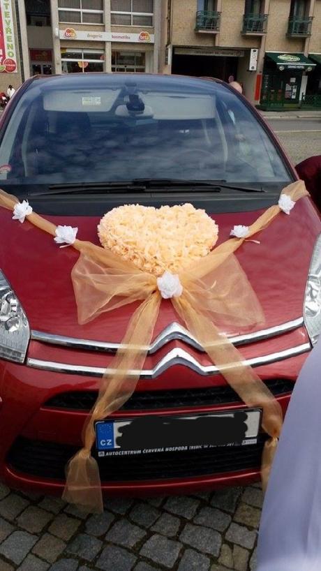 Dekorace na auta,