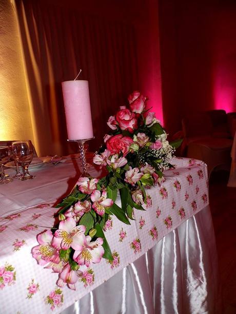 Dekoračný obrus (štóla)  -romantické ruže ,