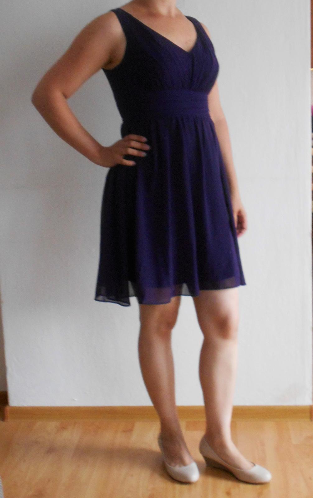 36e517e3f9c1 Krátke spoločenské šaty