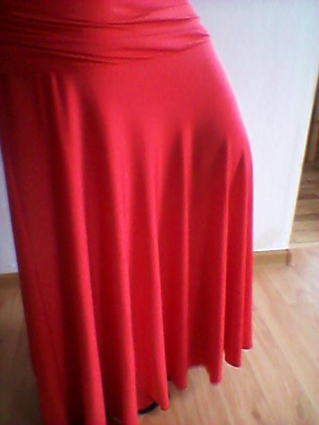 Dlhé tehotenské šaty, 40