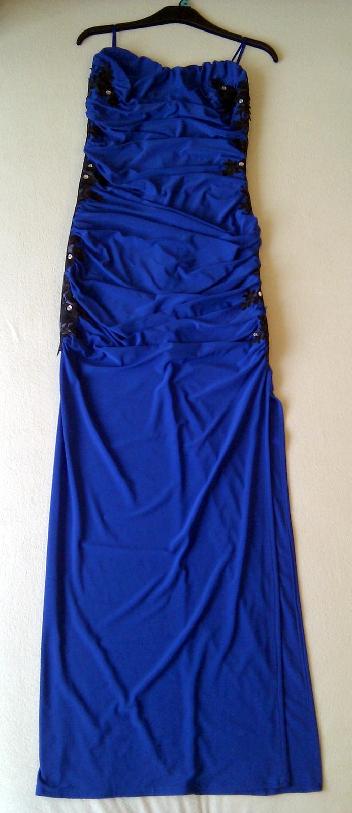Luxusní dámské plesové šaty 412c38e537