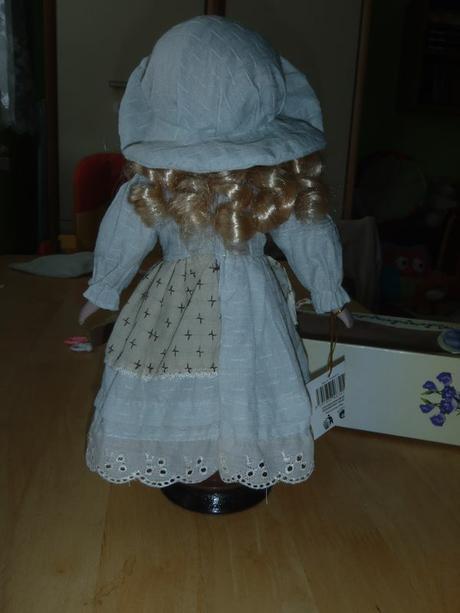 dekoračná porcelánová bábika,