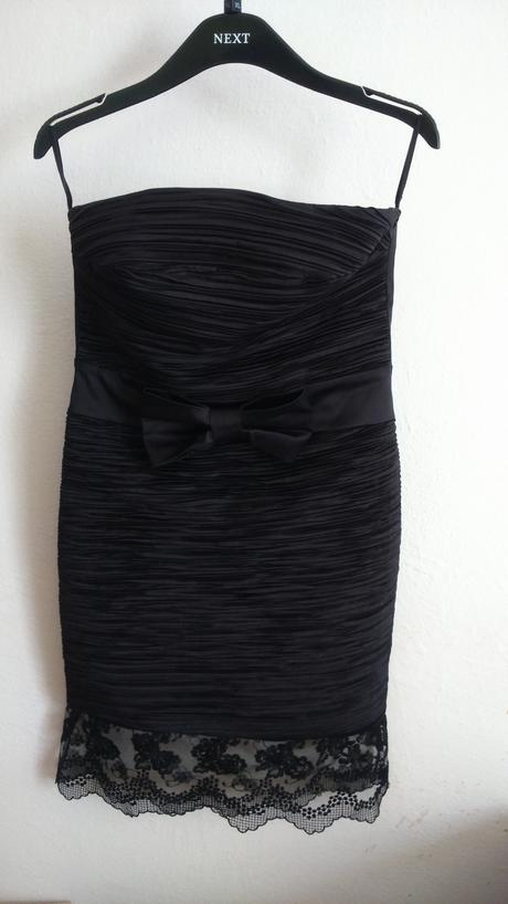 Vkusné čierne šaty s čipkou, 38