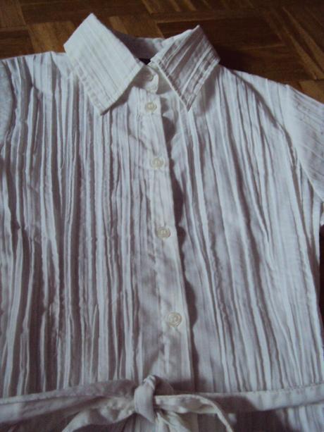 Biela bluzka, S
