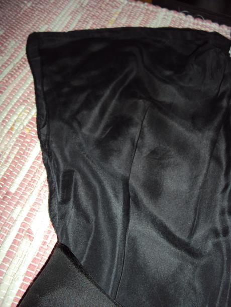 Cierna bluzka, S