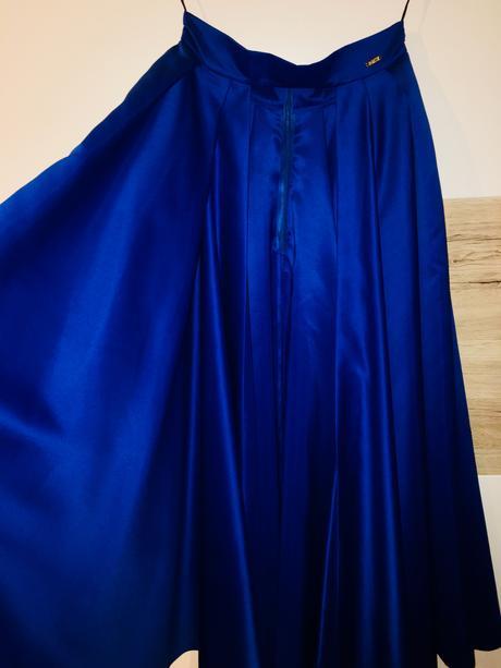 Šaty + sukňa, 40