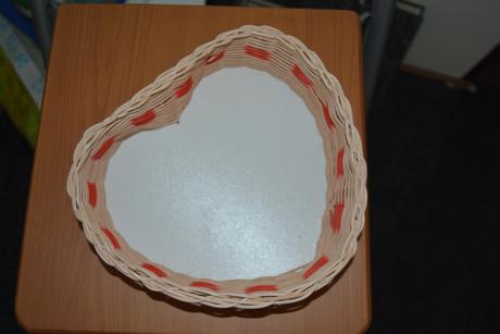 Pletený košík - srdce,