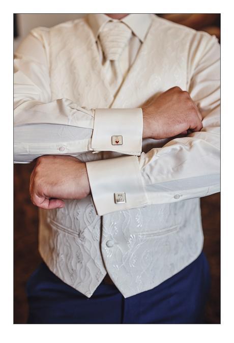 Svadobná košeľa, 54