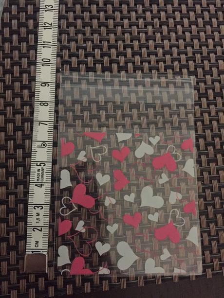 Dárkové pytlíčky v různých barvách a velikostech,