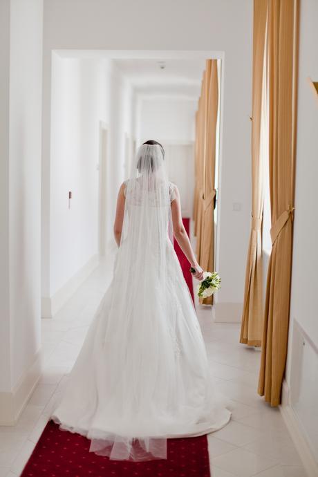 Svadobné šaty s čipkou a tylom (36-38) plus závoj, 36