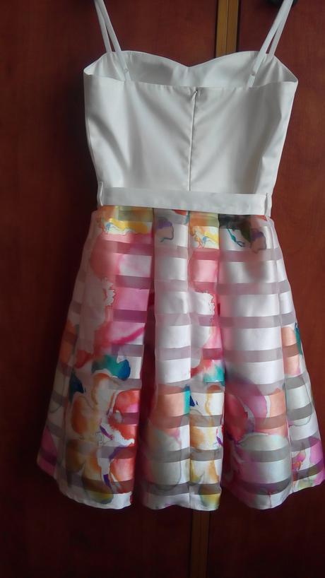 šaty s farebnou sukňou, 38