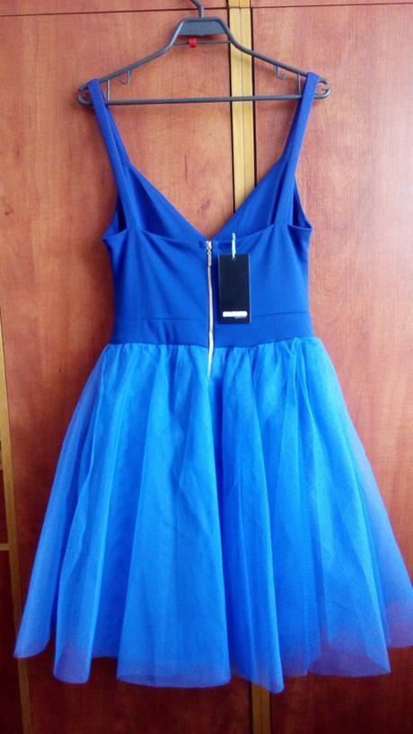 šaty s tylovou sukňou, M