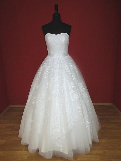 svadobné šaty, 38