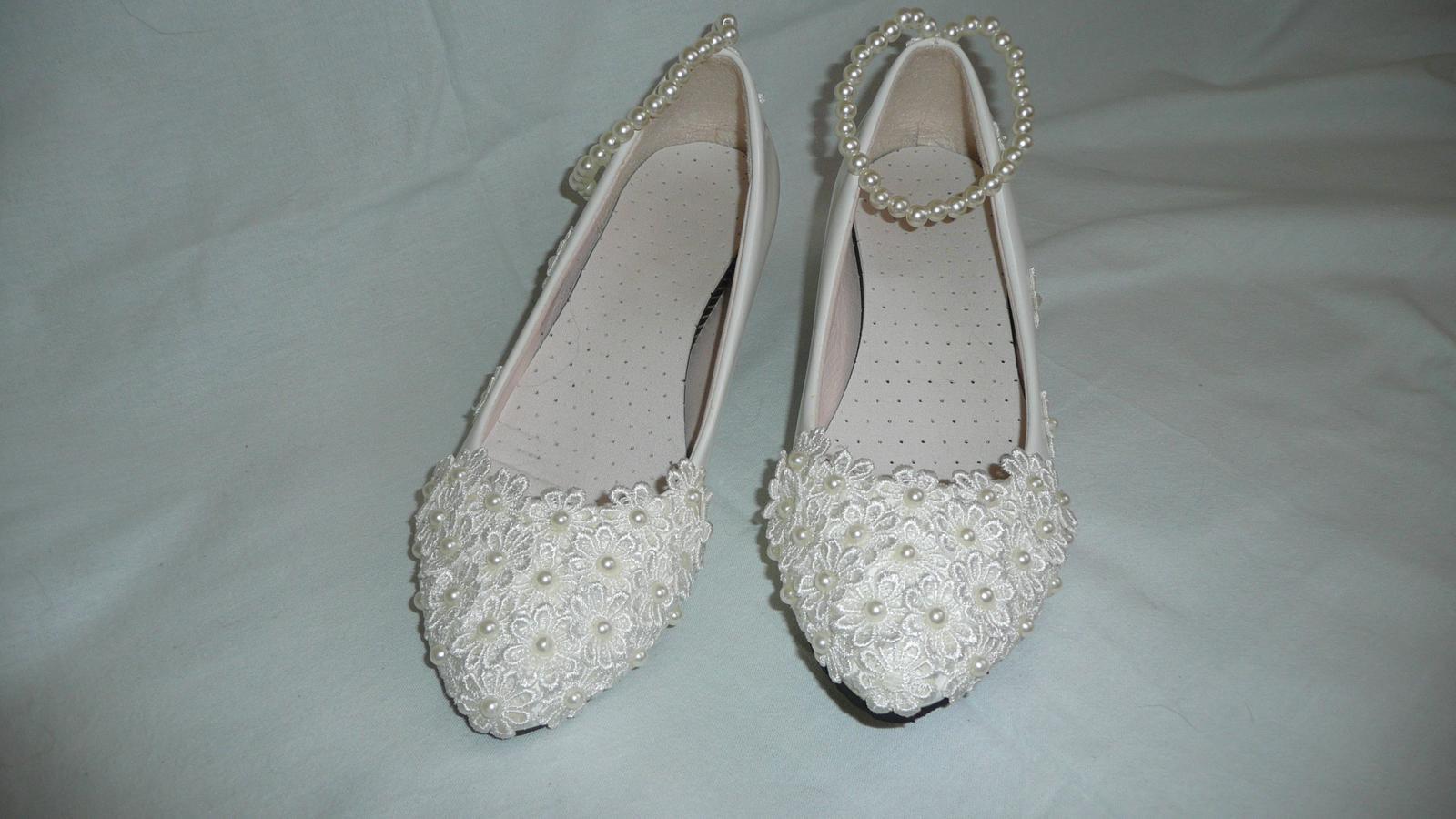 72173f9d08b Svatební boty 39