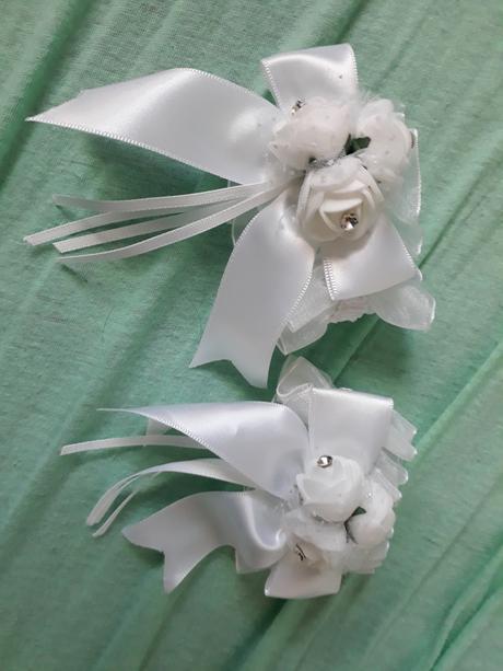 Dekorace z mátovo-růžovo-bílé svatby,