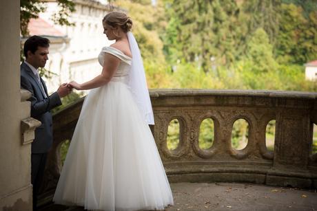 Princeznovské svatební šaty, satén + tyl, 46