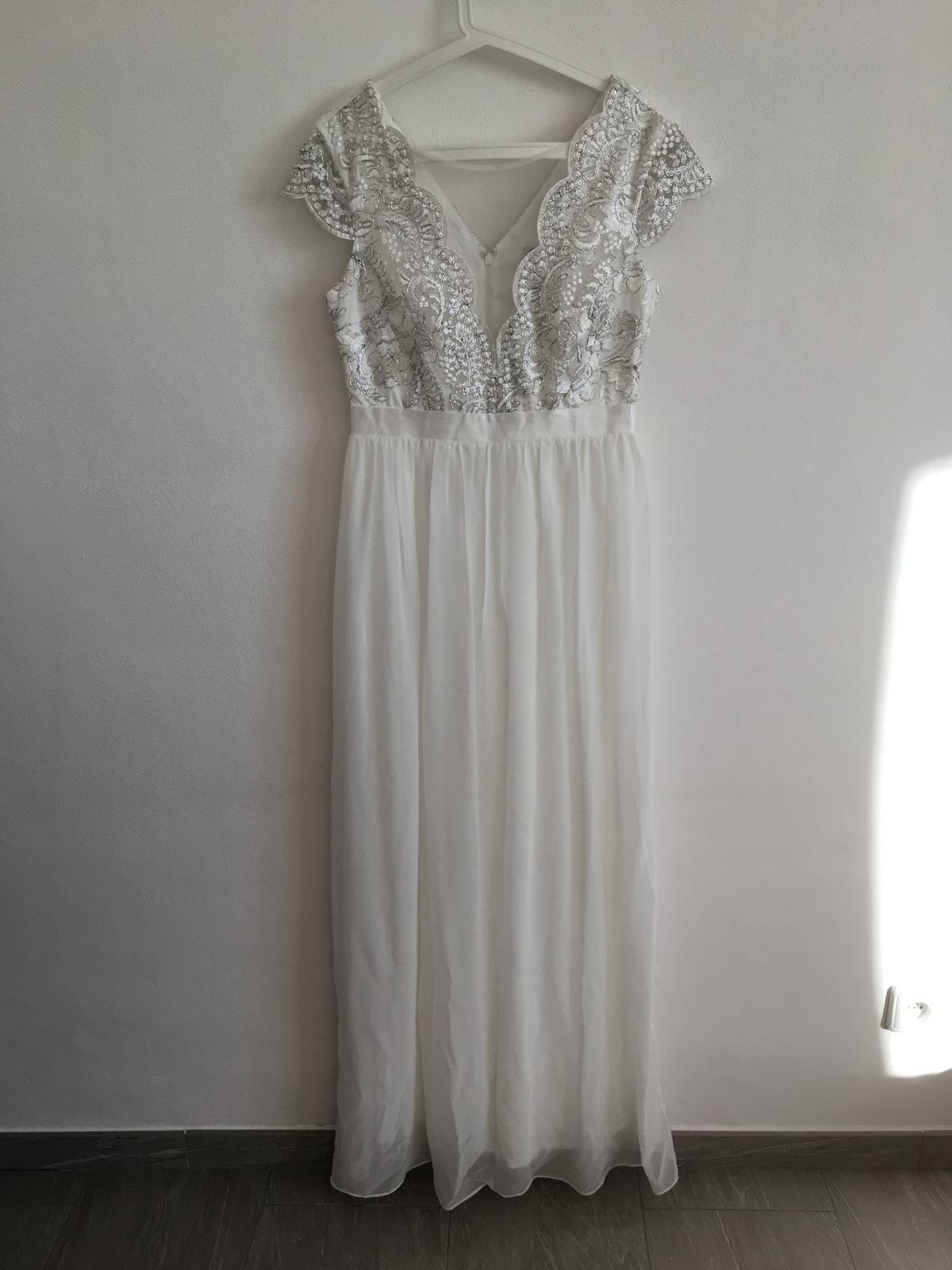 4f4453ebd0a7 Jednoduché dámské šaty v boho stylu dlouhé