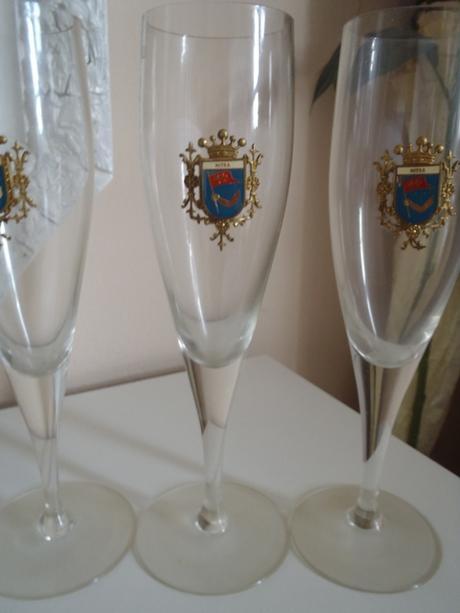 4 x pohár na šampanské s emblémom Nitry,