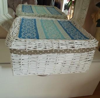 biely veľký úložný box-krabica s vrchnákom,