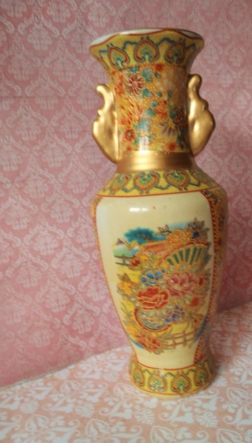 čínska keramická váza,
