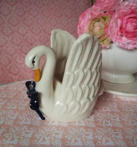 dekorácia labuť s vázou v jednom,