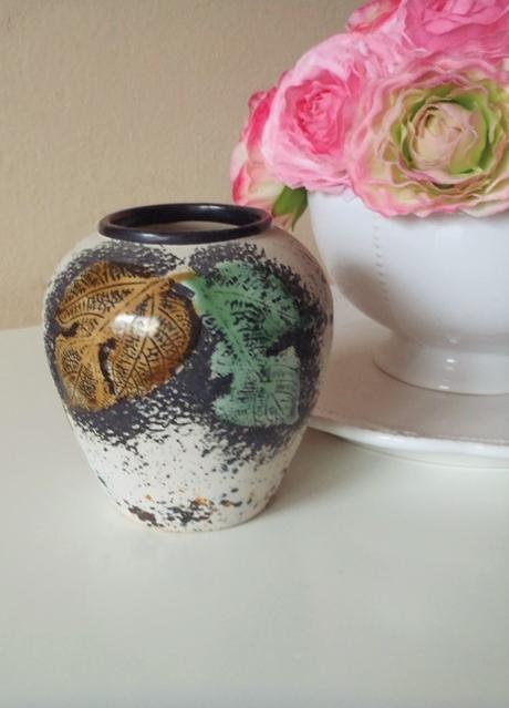 keramická vázička,