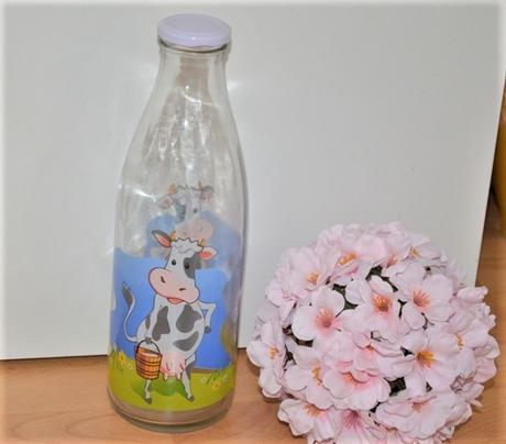 sklenená fľaša na mlieko,