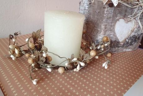 sviečka s venčekom,
