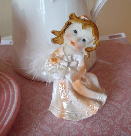 svietiaci keramický anjelik,