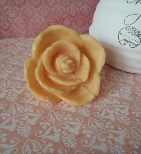 vonná sviečka-ruža,