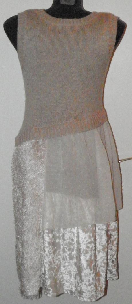 315 dámske úpletové šaty, L