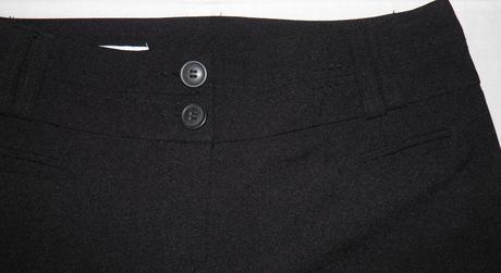 71 dámske elegantné nohavice po kolená, 38