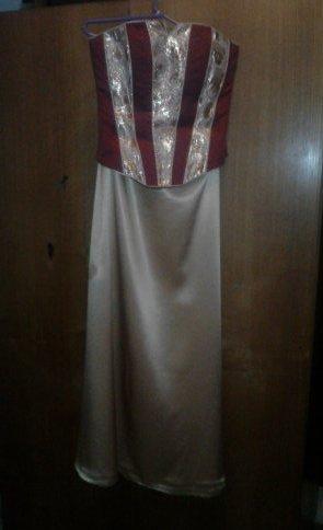 Zlato-bordové šaty, 36