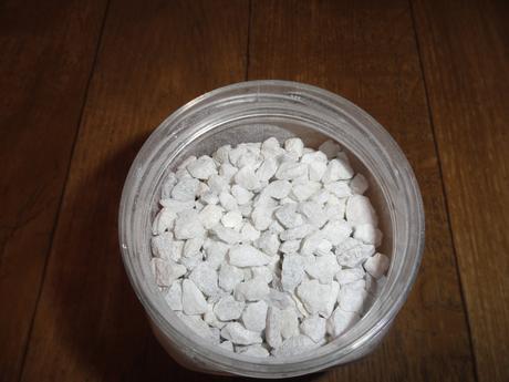 Bílé kamínky,