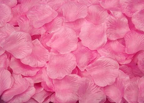 Balení okvětních lístků růží ,