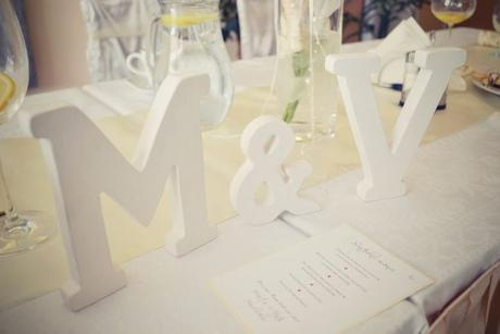 Iniciály nevěsty a ženicha.,