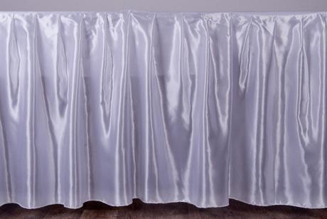 Zapůjčení rautových sukní s délkou 3,2 m,