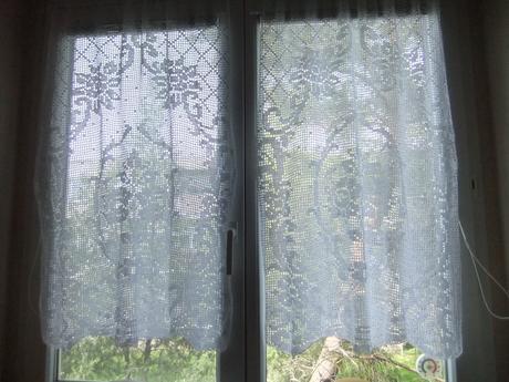 háčkovaná záclona,