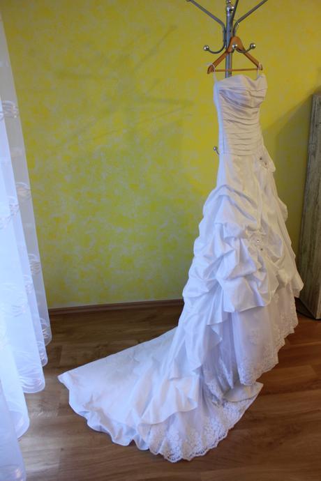 Svadobné šaty pre princeznú - s čipkou, 38