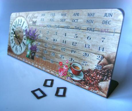 Hodiny s kalendářem - levandule,