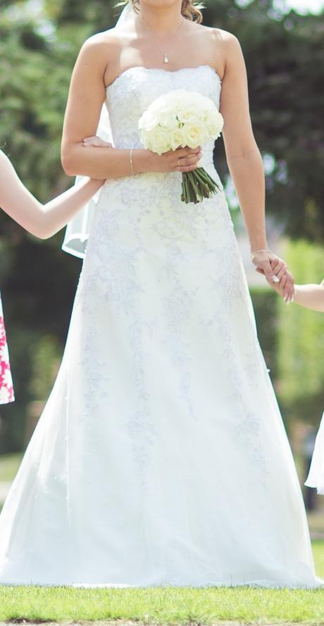 Ivory šaty s jemnou krajkou (36-38), 36