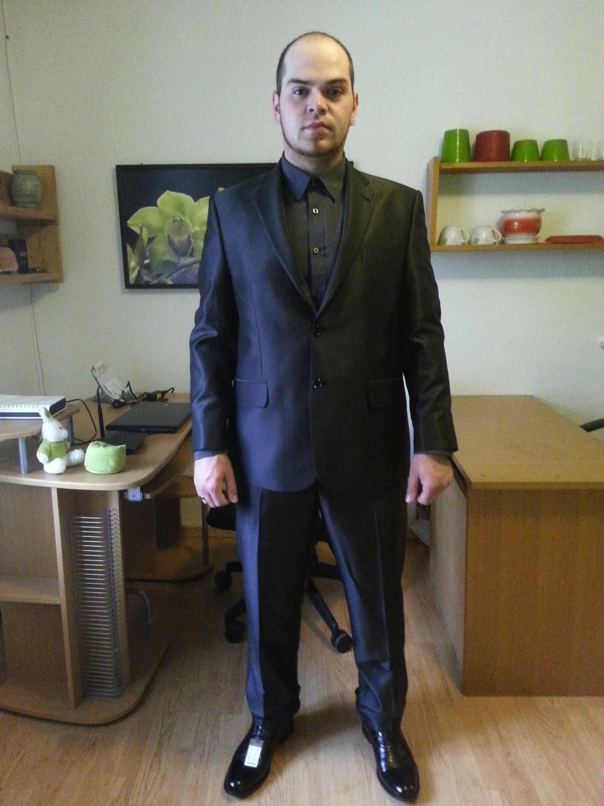 a251019cc89 Pánský oblek-česká značka ševčík (lesklý proužek)