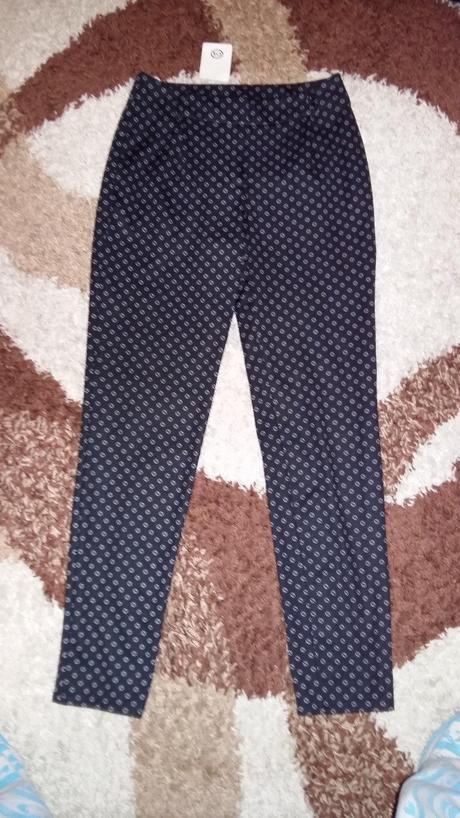 Zaujimave nohavice nenosene, 34