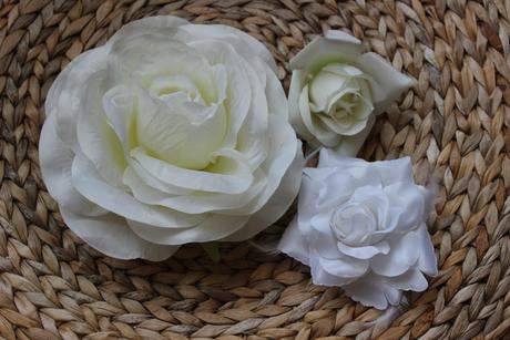 3 ks květů na dekoraci.,