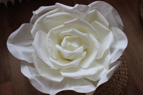 Velká růže na auto nevěsty s přísavkami,